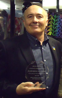 Jean-Paul Richard with his award